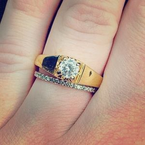 Jewelry - Beautiful Gold and CZ Ring 💍